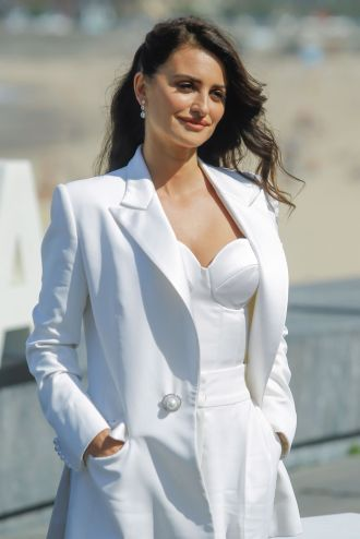 penelope-cruz-wasp-network-photocall-at-san-sebastian-film-festival-18